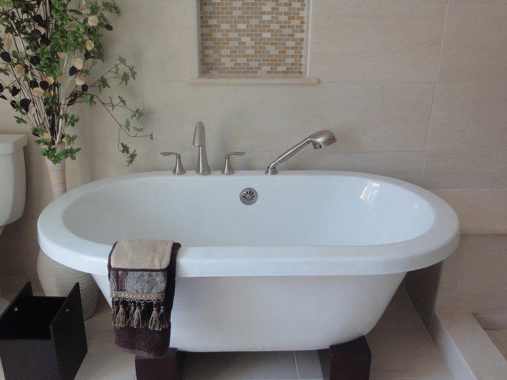 Oasis 57-inch, 60-inch, 70-inch Oriental Dual Cast Iron Bathtub ...