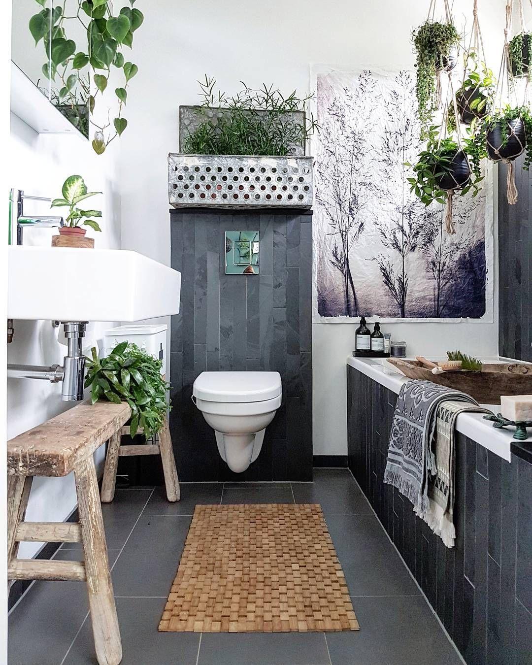 Badezimmer ideen schwarz kleines badezimmer schwarz weiß einrichtung ideen small