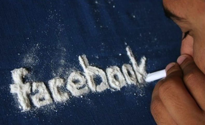 How Facebook (FB) is Altering Your Mind | Juice Feasting