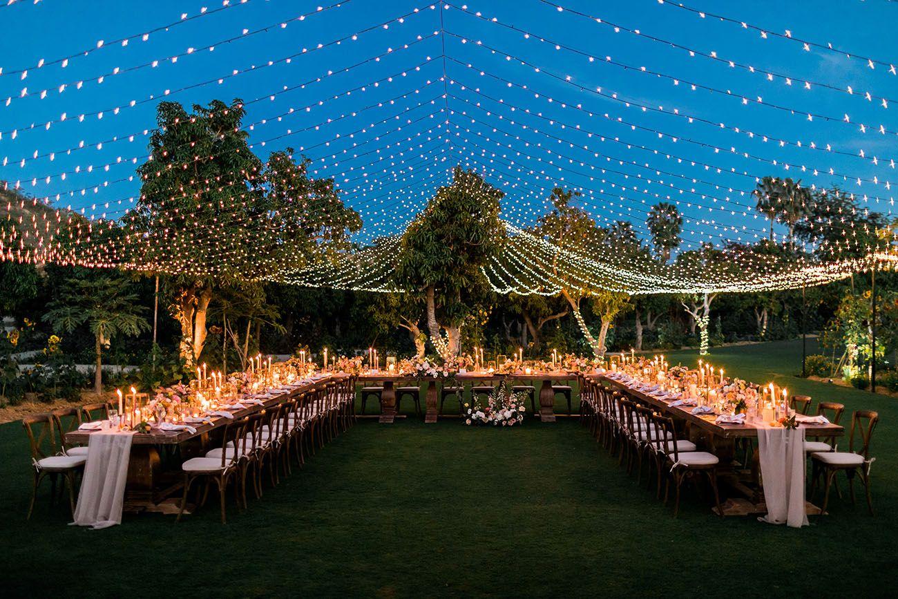 Varal de lâmpadas | Casamento dos sonhos decorado com varal de luzinhas