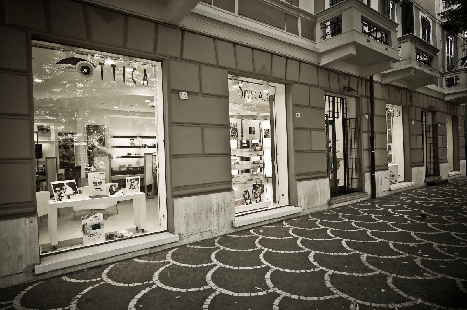 Veneta cucine albenga gallery of albenga via vecchia for Spaccio cucine