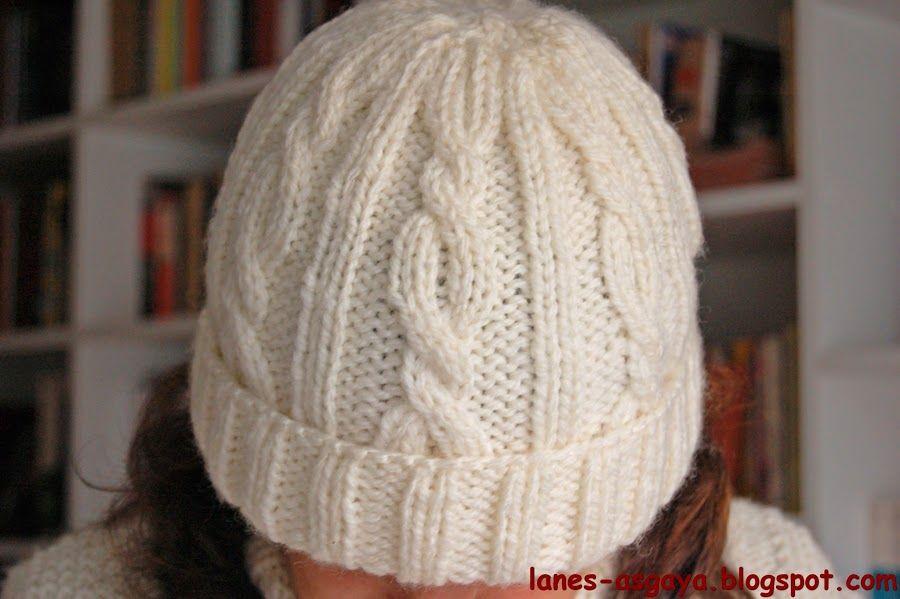 Descubre cómo hacer un gorro de lana con tejido trenzado gracias a ...