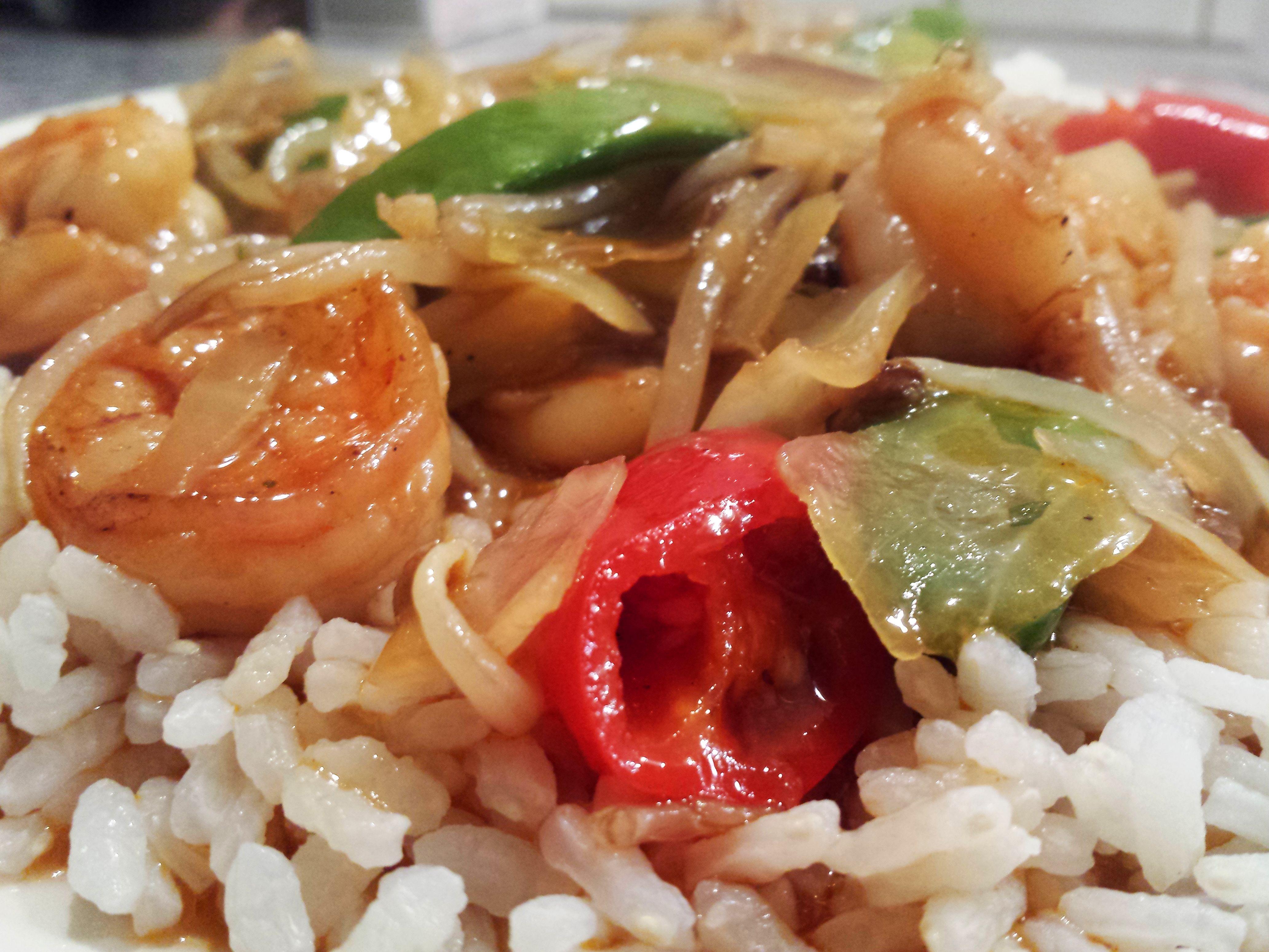 wok scampi in een pittige zoetzure saus