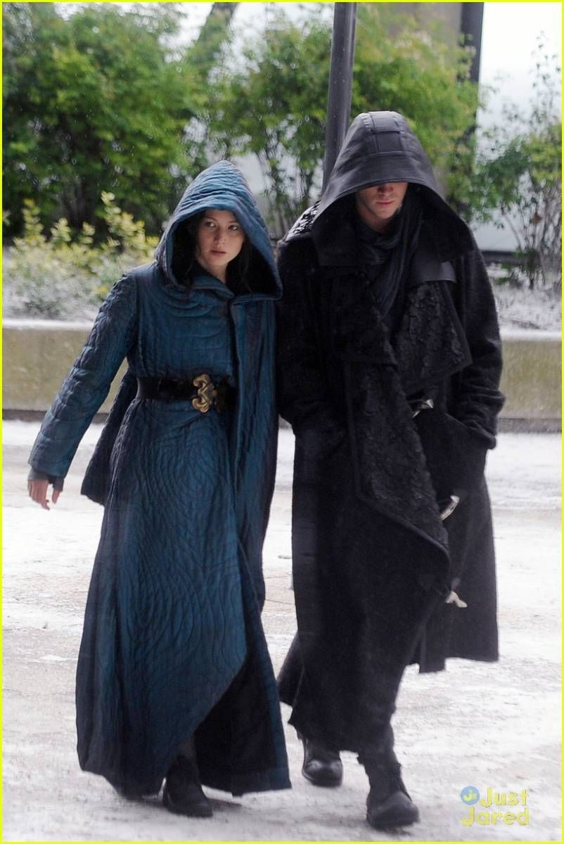 """""""Mockingjay: Part 2"""" production photos. See more here - http://www.hungergamesdwtc.net/2014/05/08/loads-of-spoilers-photos-and-video-of-jennifer-lawrence-and-liam-hemsworth-on-the-mockingjay-set-in-paris/"""