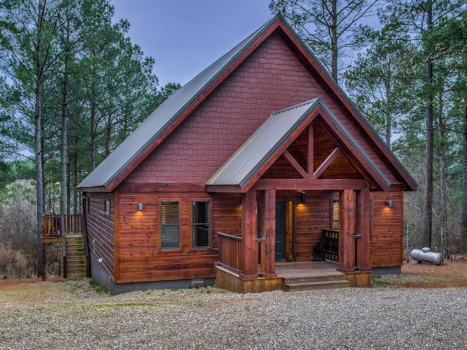 Broken Bow Vacation Cabins Twice As Nice 2 Bedroom Accommodates Up To 6 Guests Pet Friendly Wifi Hot Tub In 2020 Broken Bow Cabins Open Living Area Hot Tub