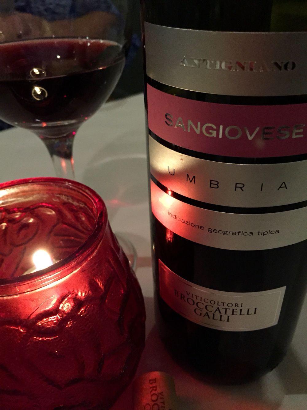 Antigniano Sangiovese Umbria Viticoltori Broccatelli Galli Alcoholic Drinks Food Wine Cellar
