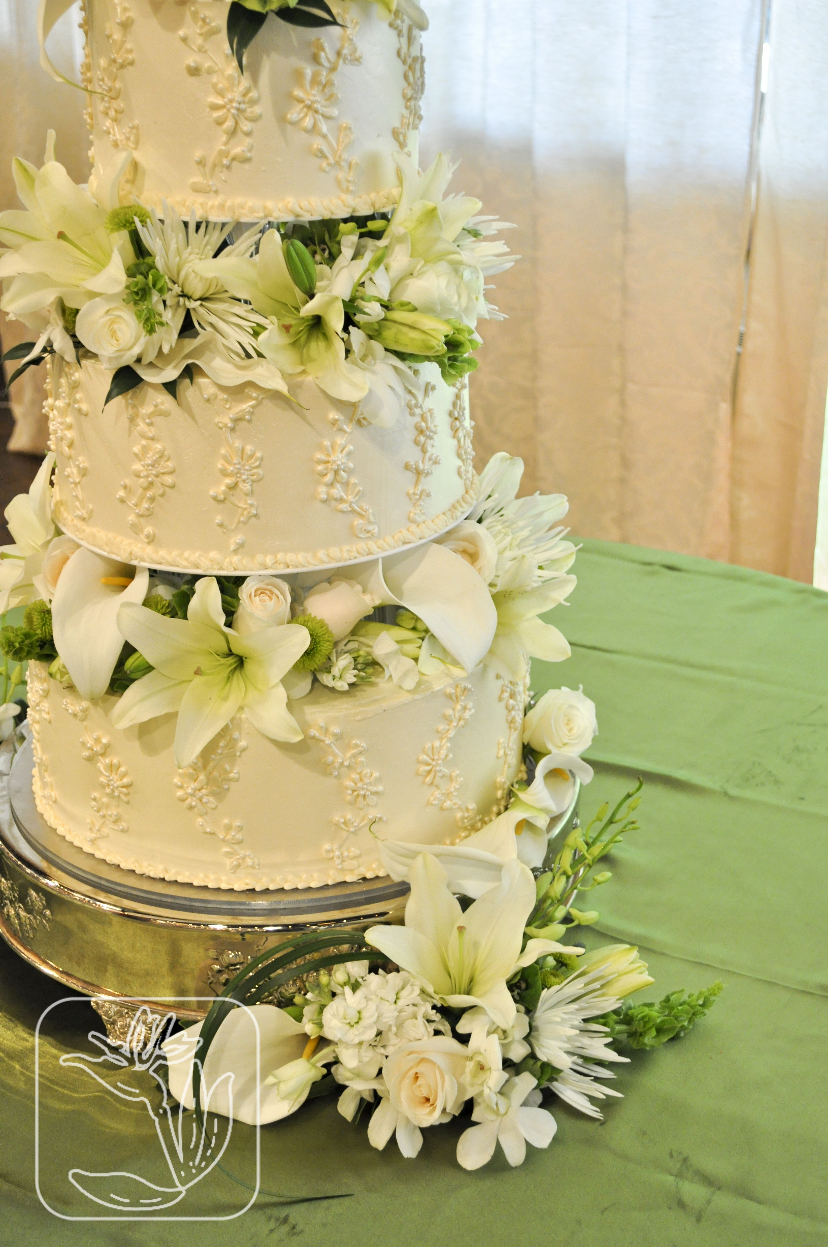 Utah Wedding Cake Flowers (White and green flowers; Union Station ...