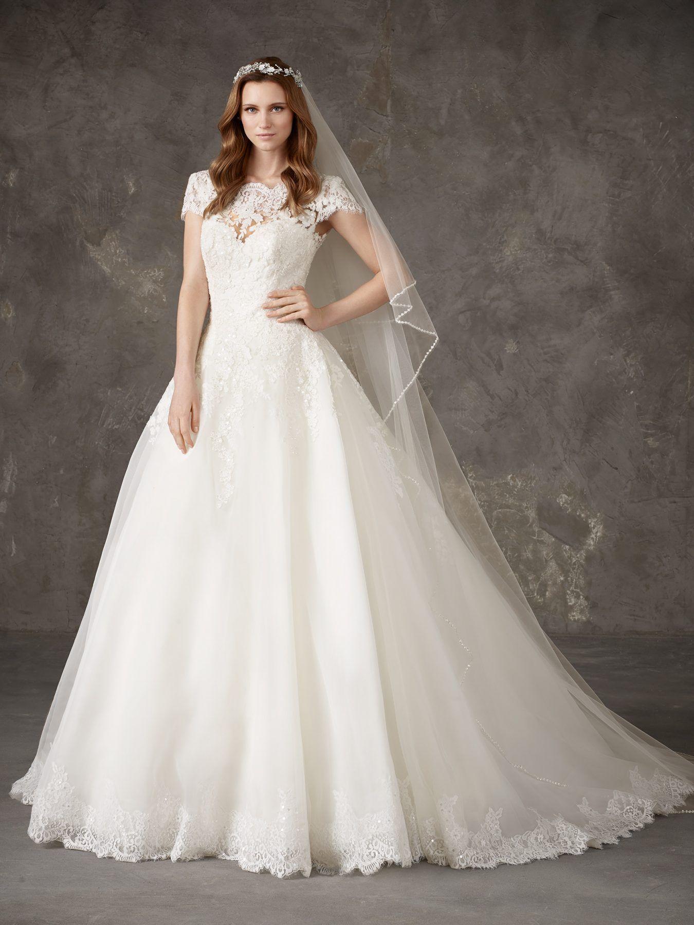 2de1f5d229fb Wedding Dress Lace Bodice Tulle Skirt