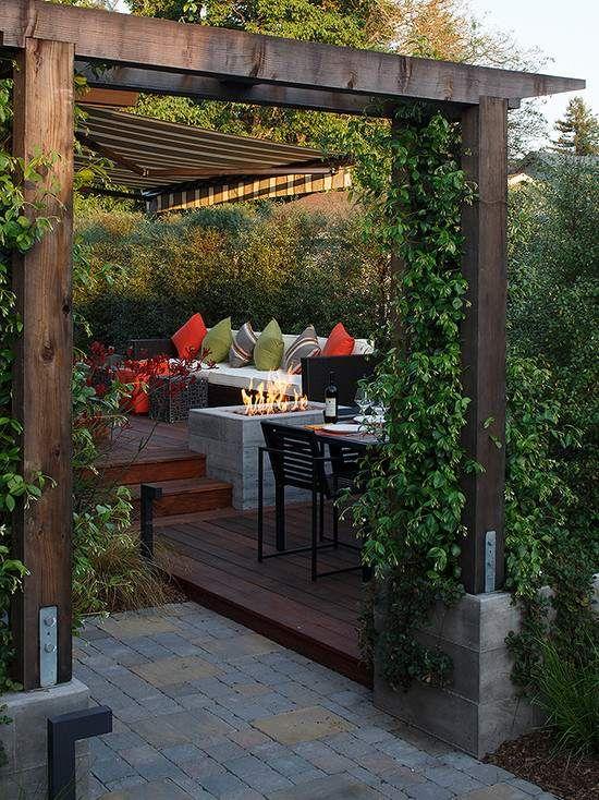 terrasse garten pergola sichtschutz lounge offene feuerstelle - Terrasse Im Garten Herausvorderungen