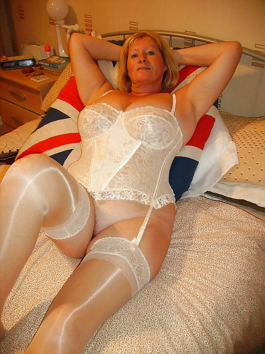 mature amateur women sexy lingerie over 50