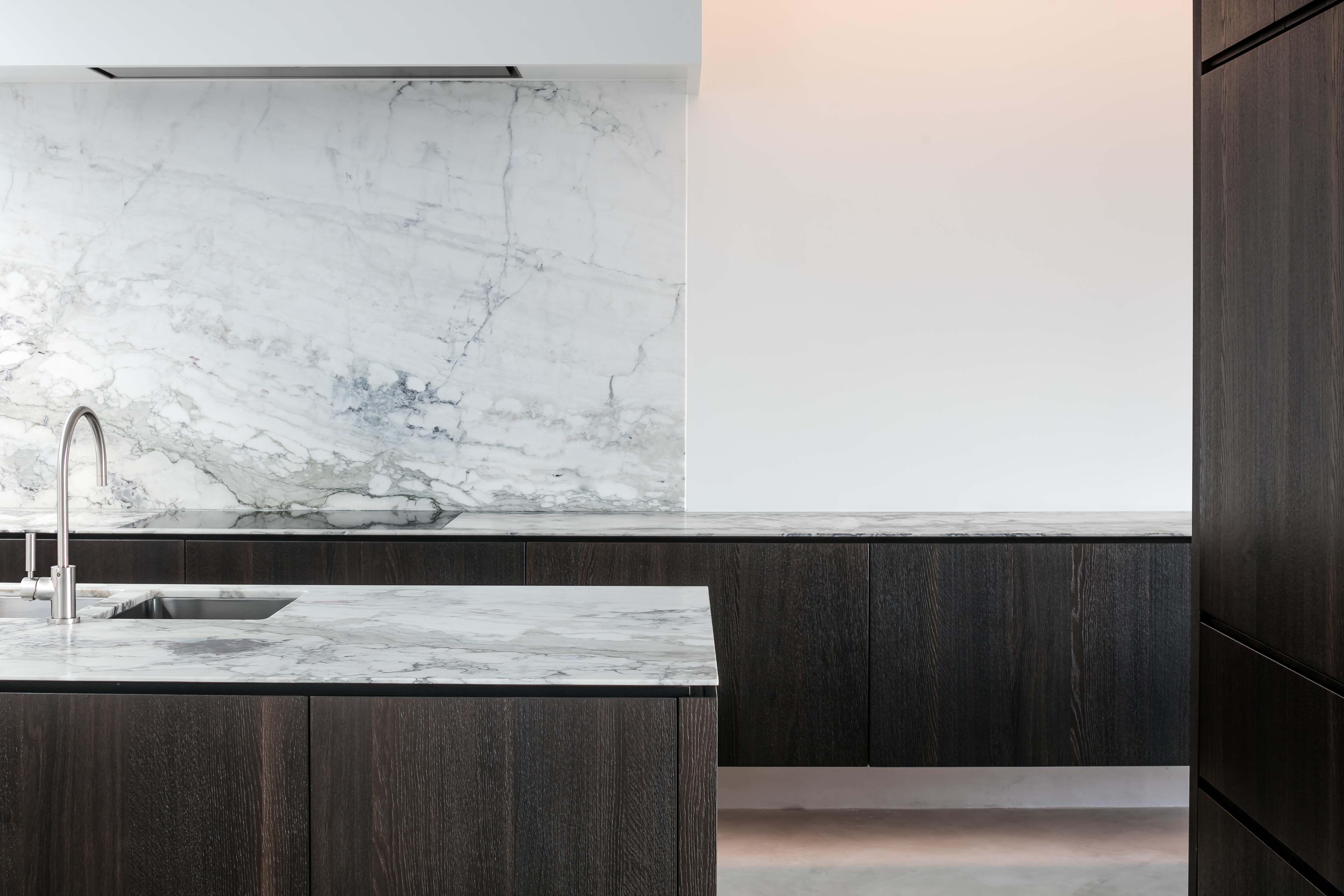 Hullebusch natuursteen caprina nuvolata verzoet interiors
