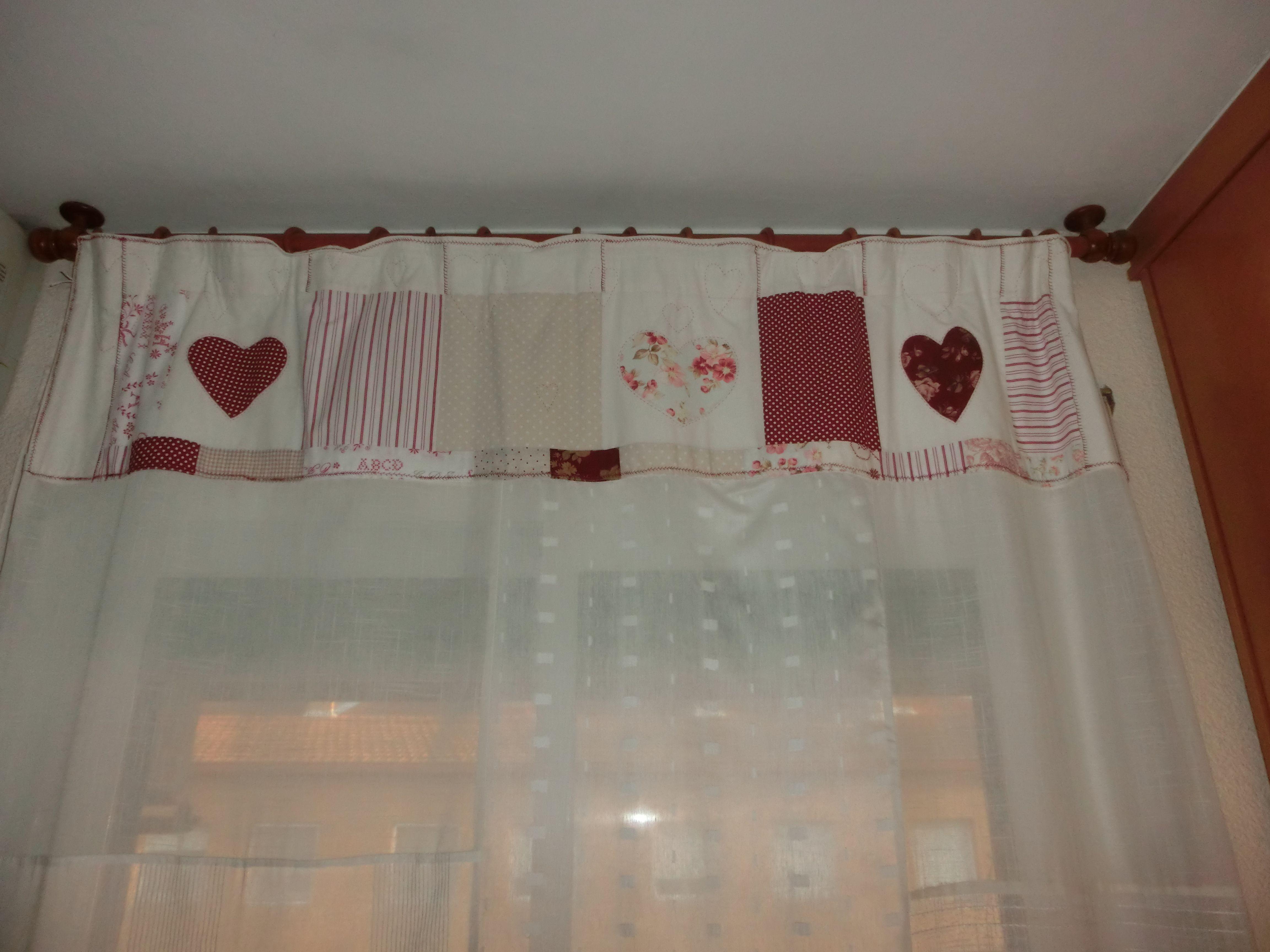 Aprovechando restales de cortinas y de telas.