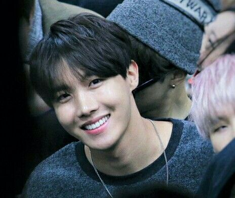 I want this hairstyle back to JHope