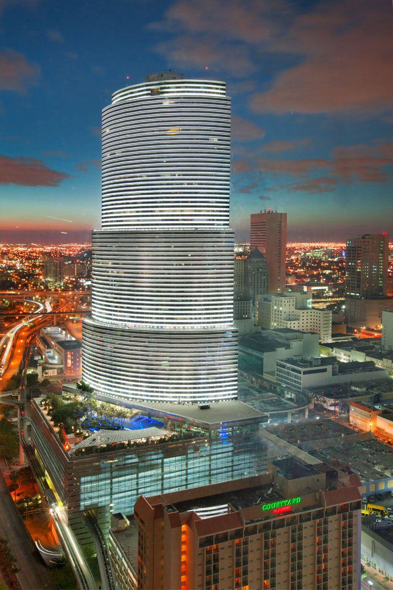 Miami Tower In Miami Fl Ciudad Magica Ciudad Global Viajes