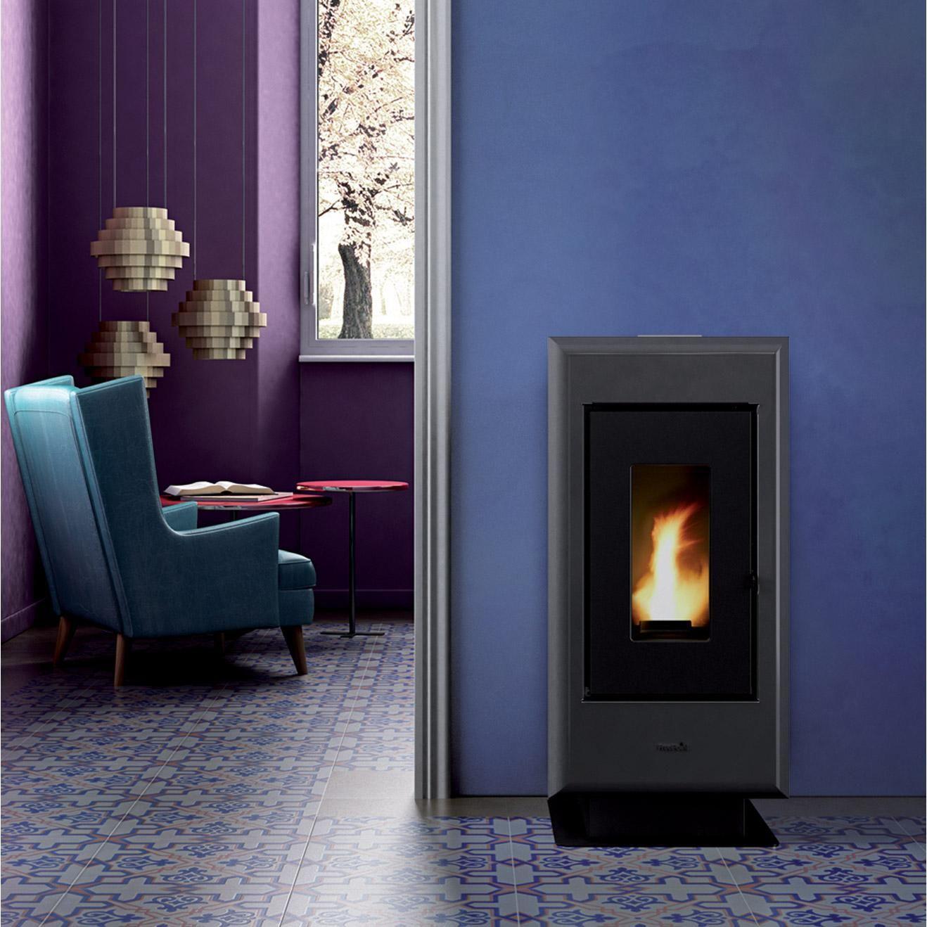 Poele A Granules Freepoint Elan Evo Noir 6 5 Kw En 2020 Decoration Maison Poele A Granules Et Elan