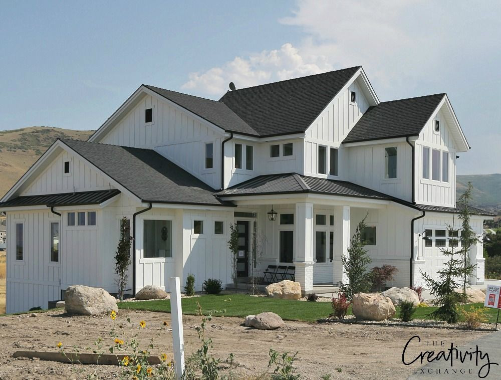 How Modern Farmhouse Exteriors are Evolving Modern