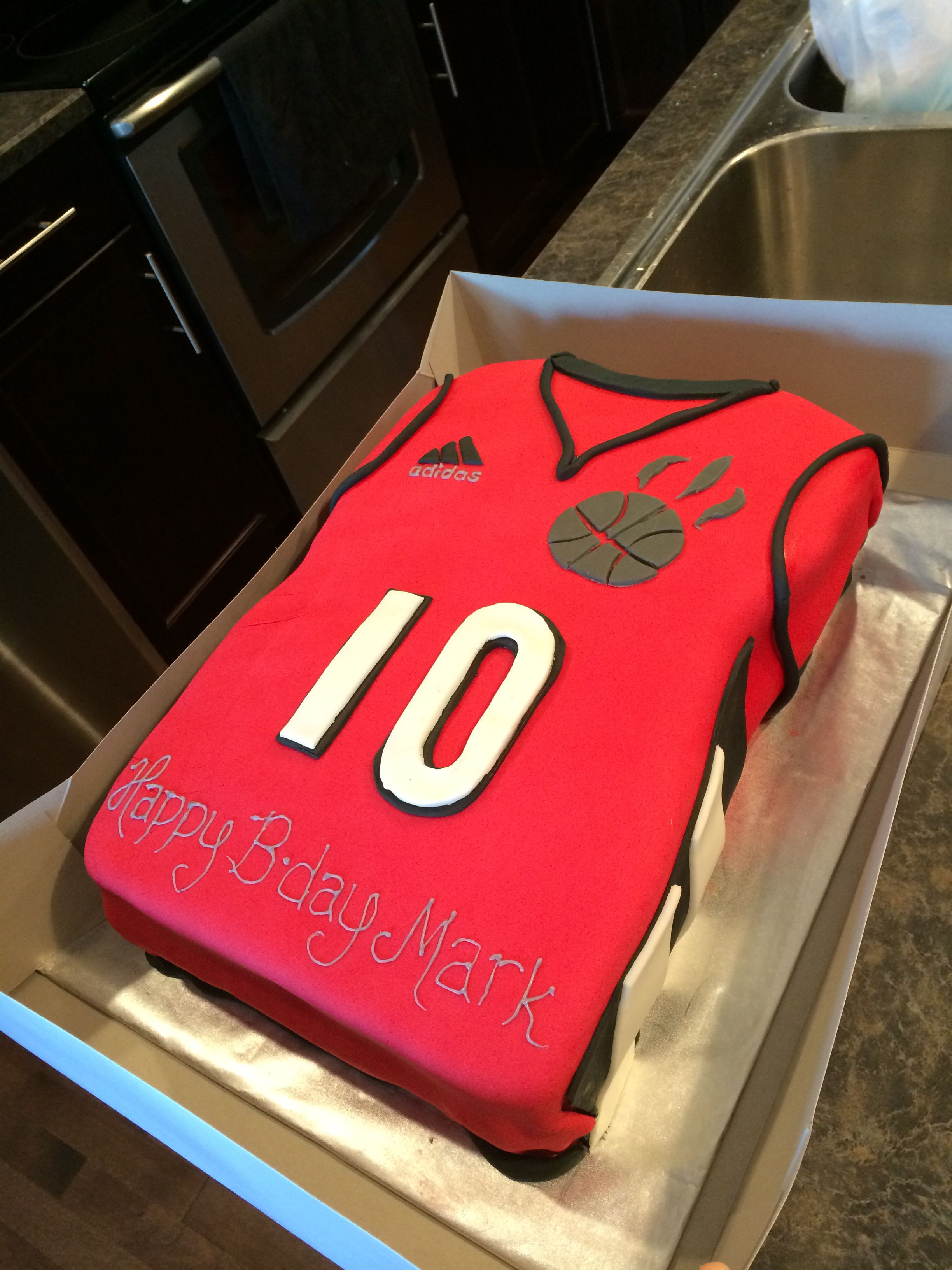 toronto raptors cake by cakesbymeesh (With images
