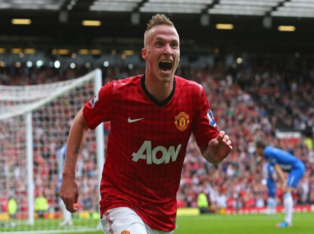 Alexander Buttner Is A Dutch Footballer Who Plays For English Club Manchester United He Plays As A Left Back But Can A Wigan Athletic Manchester United Wigan