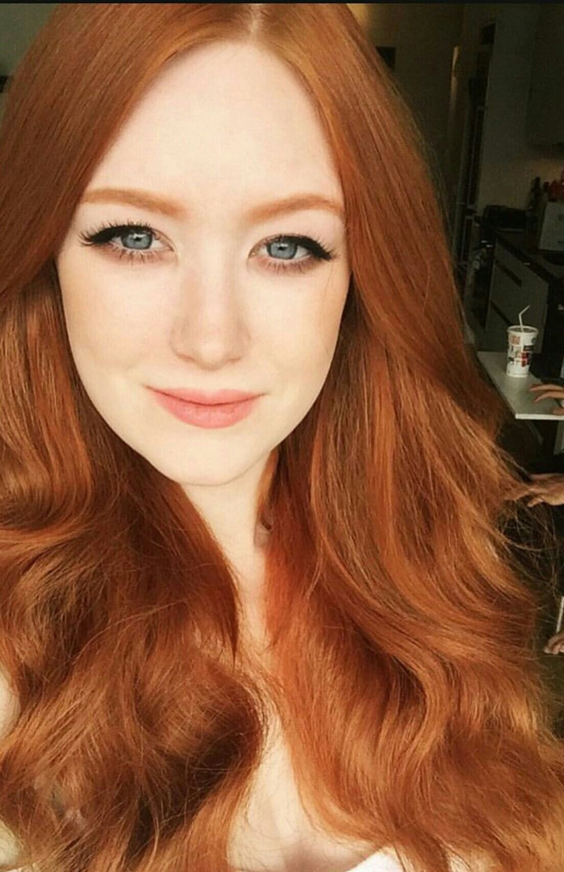 Smoke Out The Undereye Shadow To Match Your Hair Beautiful Red Hair Girls With Red Hair Redhead Makeup