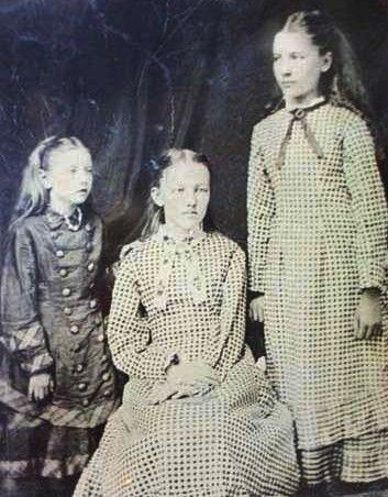 Laura Ingalls Wilder and 2 of her sisters