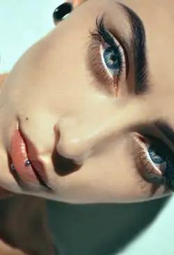 40 صورة لحواجب طبيعية للنساء في عام 2020 مع طريقة صبغ الحواجب Eye Makeup Remover Labret Piercing Eye Makeup