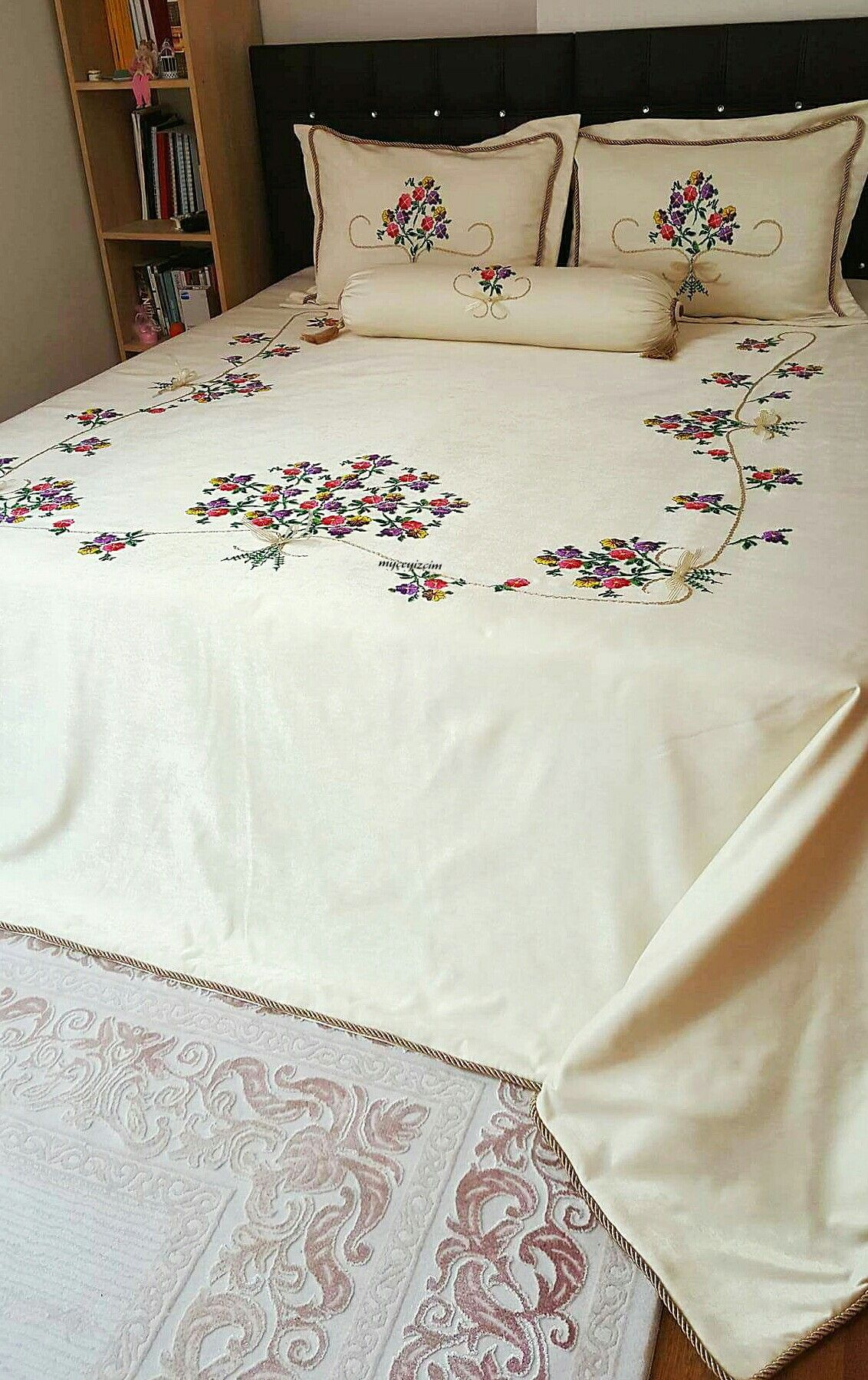 Ribbon embroidery bedspread designs - Ribbons
