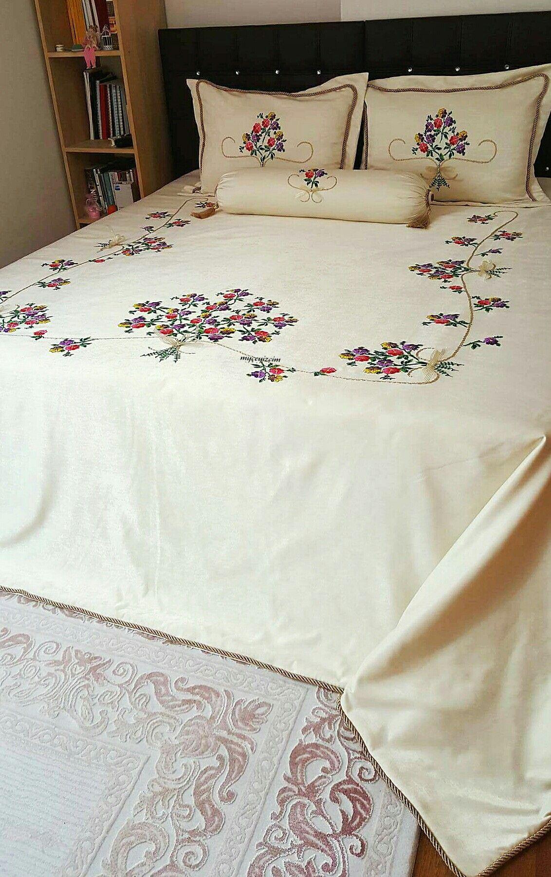 Ribbon embroidery bedspread designs - Eski Kanaviceleri Yatak Rt S Olarak De Erlendirdik Bedspreads Gabrieljordans