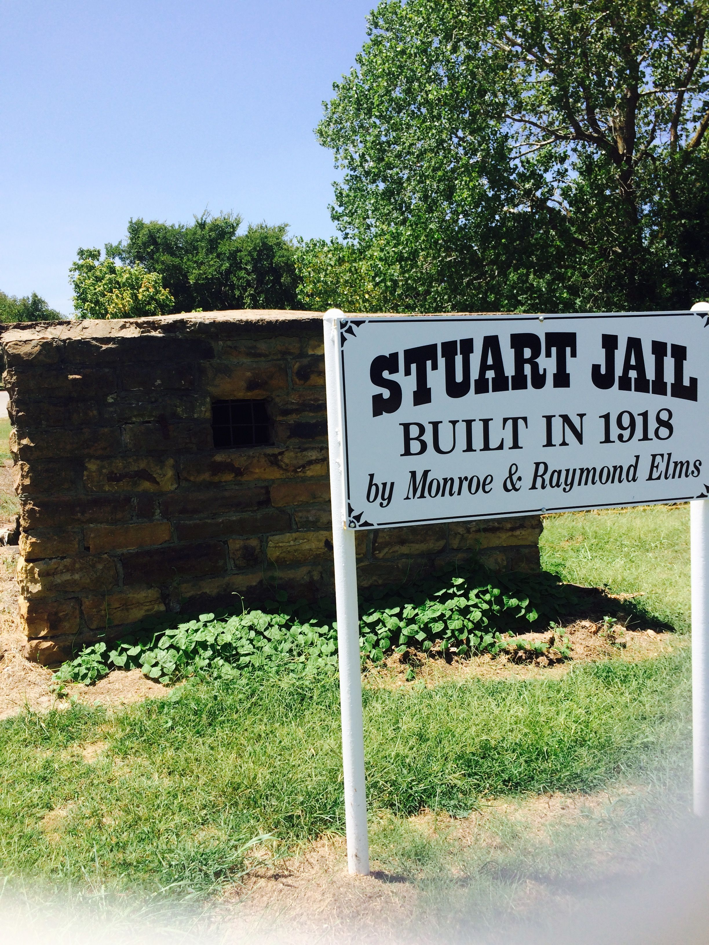 In Oklahoma Look At This Jail From 1918 And Stuart Oklahoma Wow They Didn T Have A Lot Of Room Or Tv Dirt Floor And No Ac Jail Family History Oklahoma