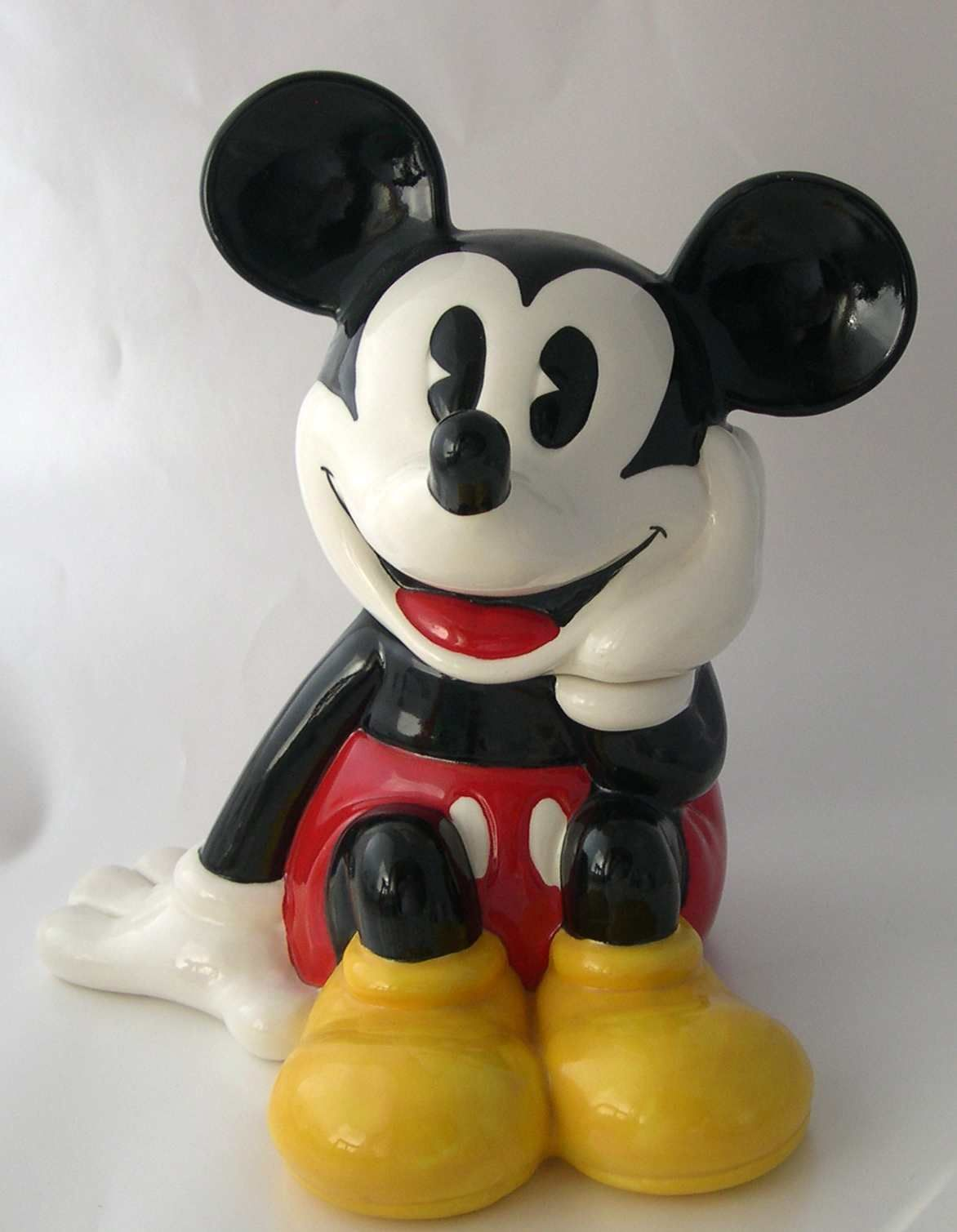 I have Mickey and Minnie together in my Kitchen | Cookie Jars ...