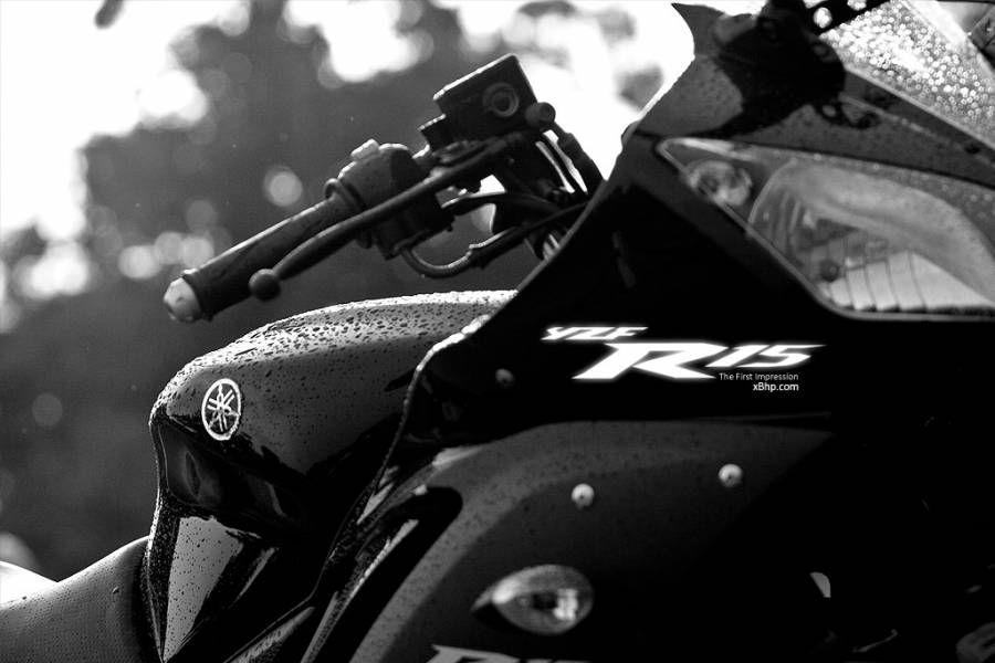 Yamaha R15 Black Wallpapers