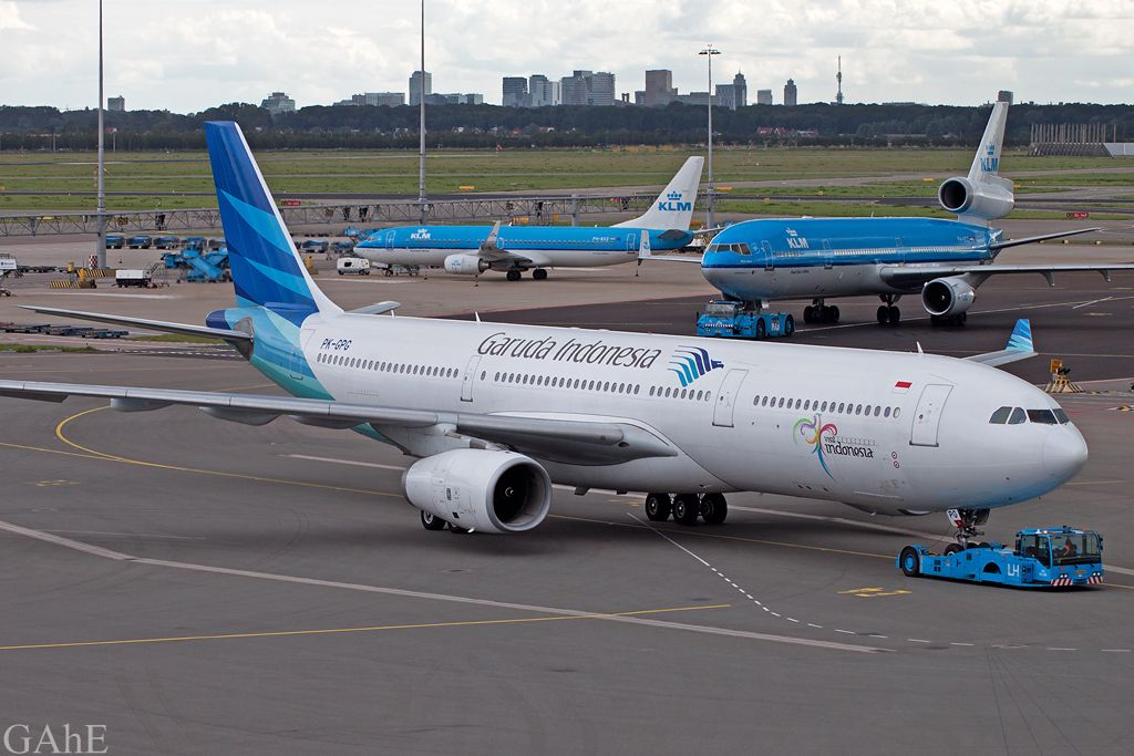 Garuda Indonesia And Klm At Amsterdam Garuda Airlines Indonesia Commercial Aircraft