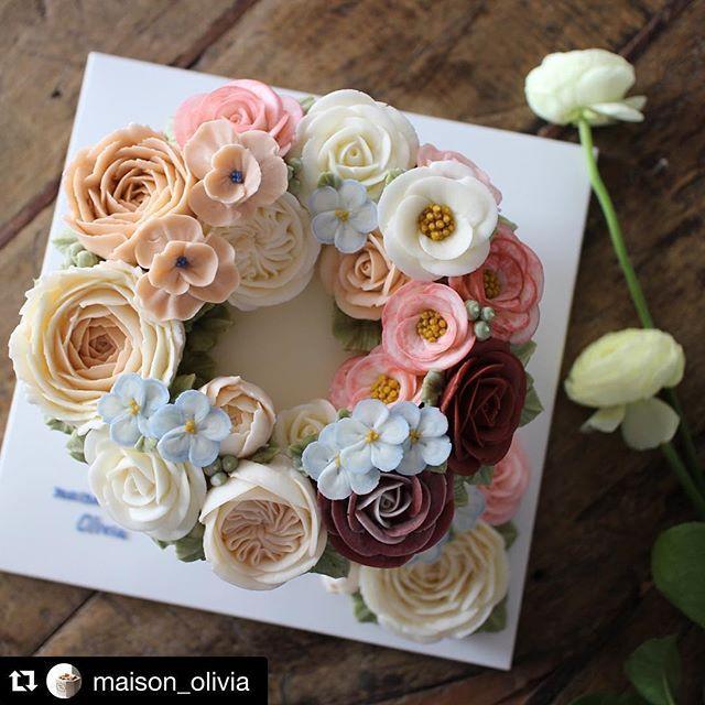 ขนมเค้กกกก  #Repost @maison_olivia with @repostapp. ・・・ #플라워케이크 ~~ #플라워케익 #대구플라워케이크 #대구플라워케익 #버터크림플라워케이크  #꽃 #꽃케이크 #꽃스타그램  #케이크 #메종올리비아 #봄  #spring #springflower  #flowercake  #flower  #buttercreamdecorating  #buttercream  #buttercreamcake  #baking  #cake #koreaflower #koreaflowercake #maisonolivia