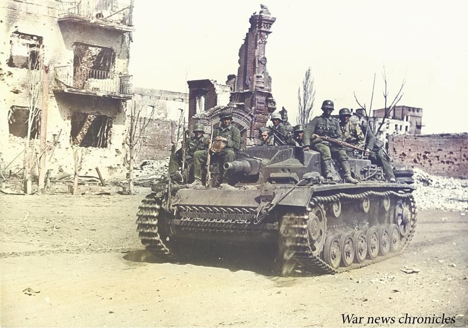 StuG III Ausf. B of Hauptmann Franke's 3. Batterie of Sturmgeschütz-Abteilung 244 roll into central Stalingrad, (possibly in Kurskaya Ulitsa). September 1942. Although the battalion was equipped mostly with long-barrel assault guns, severe shortages of ammunition for this vehicle's 7.5cm L/43 KwK 40 forced the older short-barrel assault guns to be deployed continually in the street-fighting.
