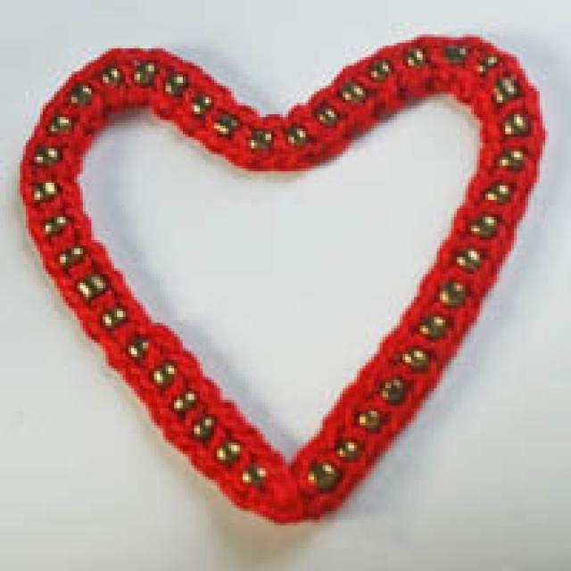 10 Crochet Heart Patterns for Valentine\'s Day | Bead crochet, Heart ...