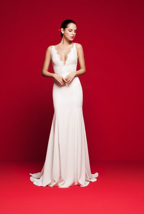 Photo of LVS-321 kjole (Slim A-Line, V-hals, stropper, ermeløs) fra Daalarna 2018, som …