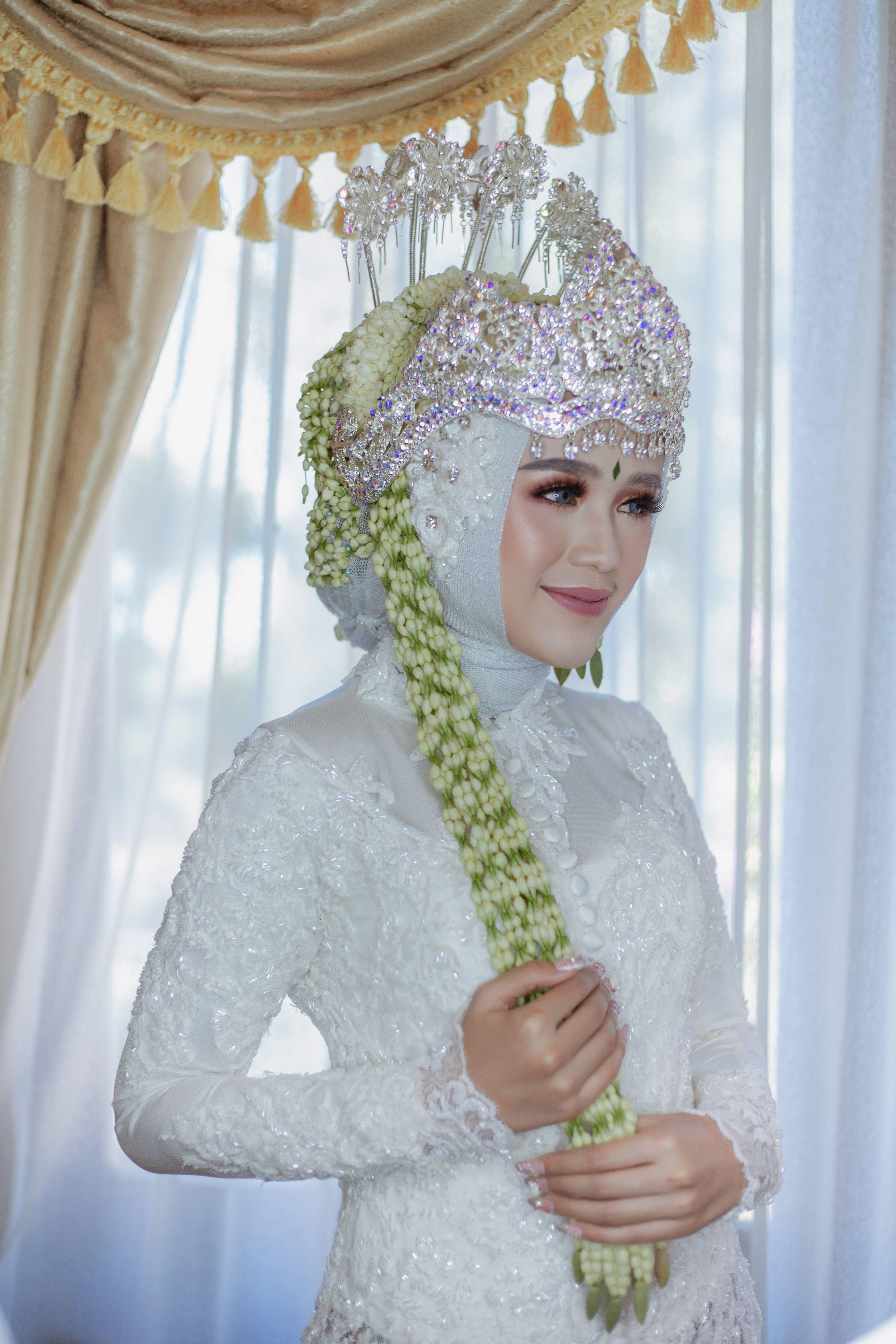 Pakaian Adat Jawa Barat Hijab
