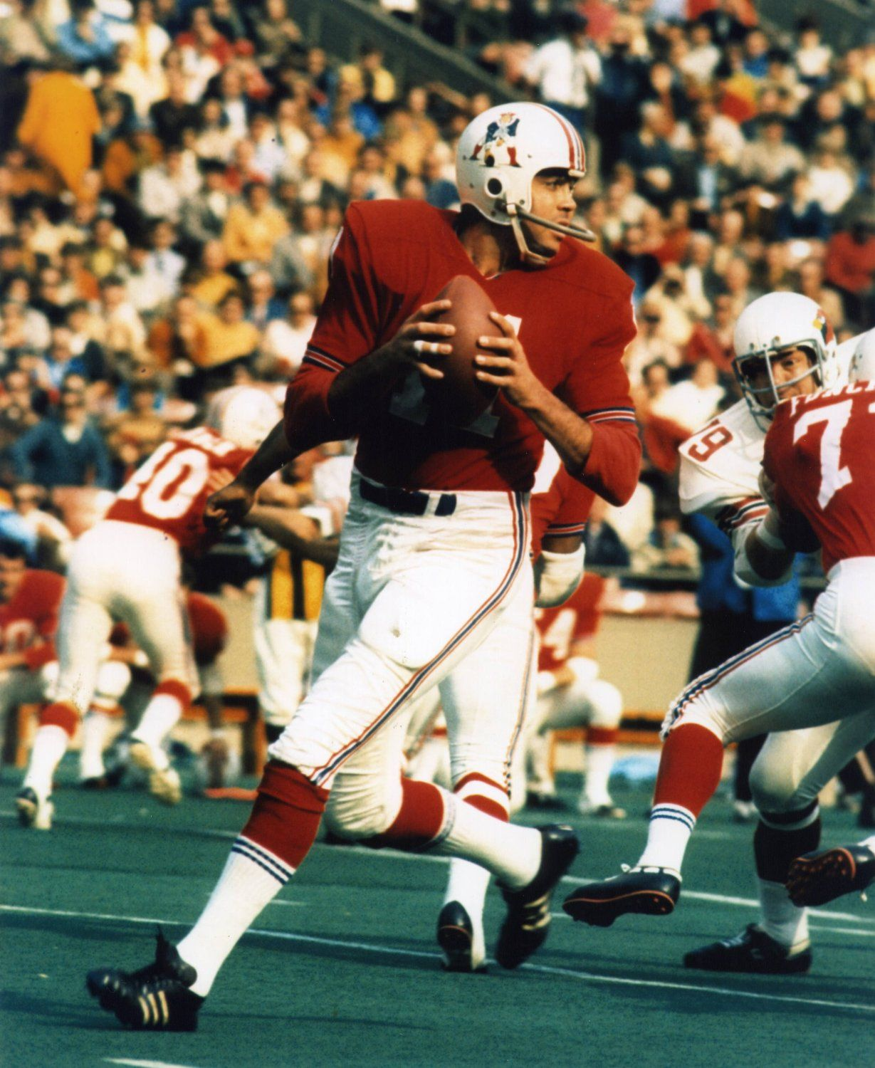 Joe Kapp in his final year of football, 1970 with the Boston ...