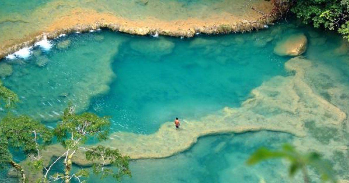 El mundo nos sorprende a cada paso, y siempre para bien. Esta vez lo hace a través de sus espacios naturales, exactamente de sus aguas. Descubre junto a las recomendaciones de los viajeros de la comun...