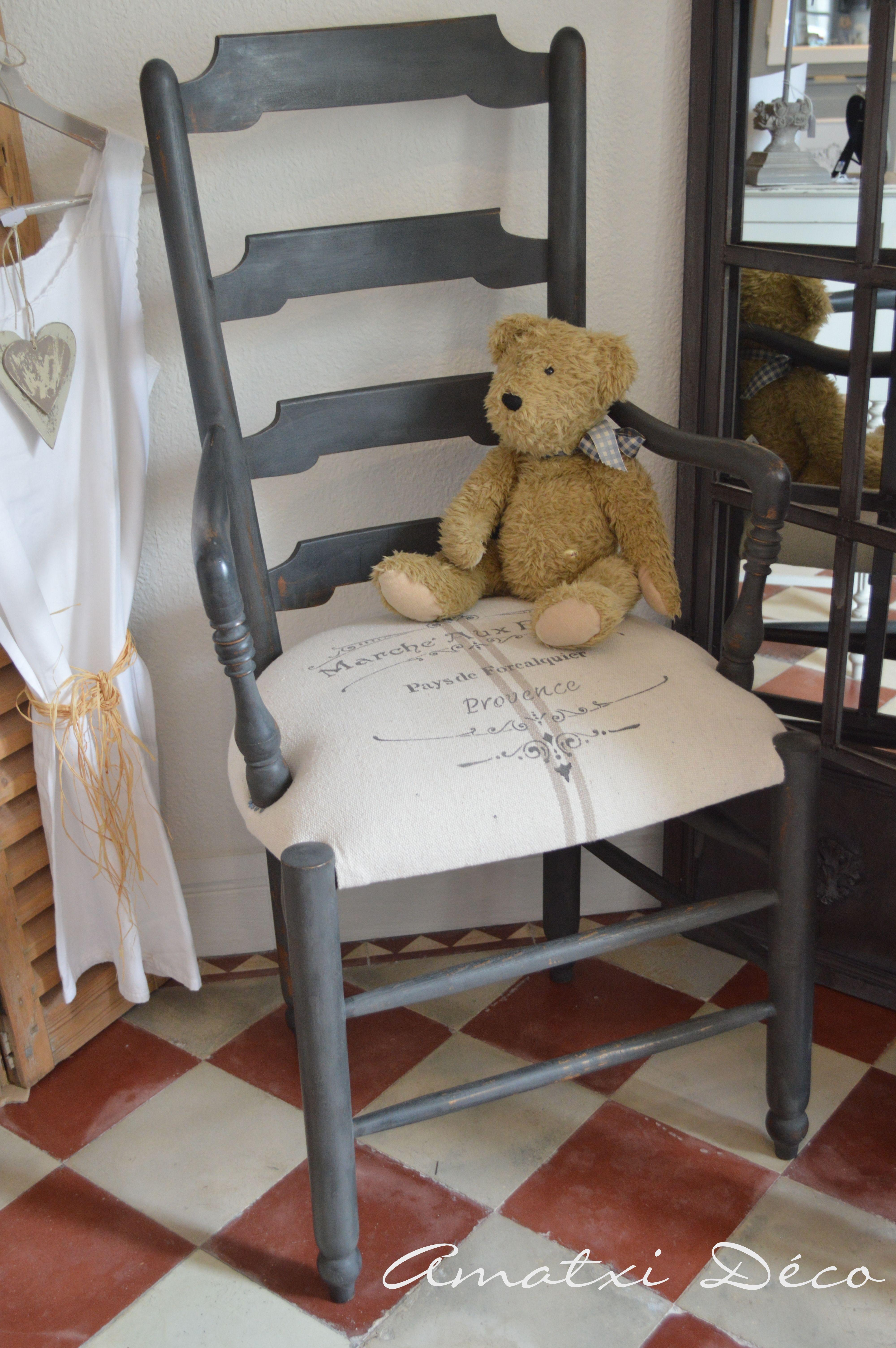 Amatxi d co cr ations joli petit fauteuil ancien qui a retrouv un coup de jeune peinture - Petit fauteuil ancien ...