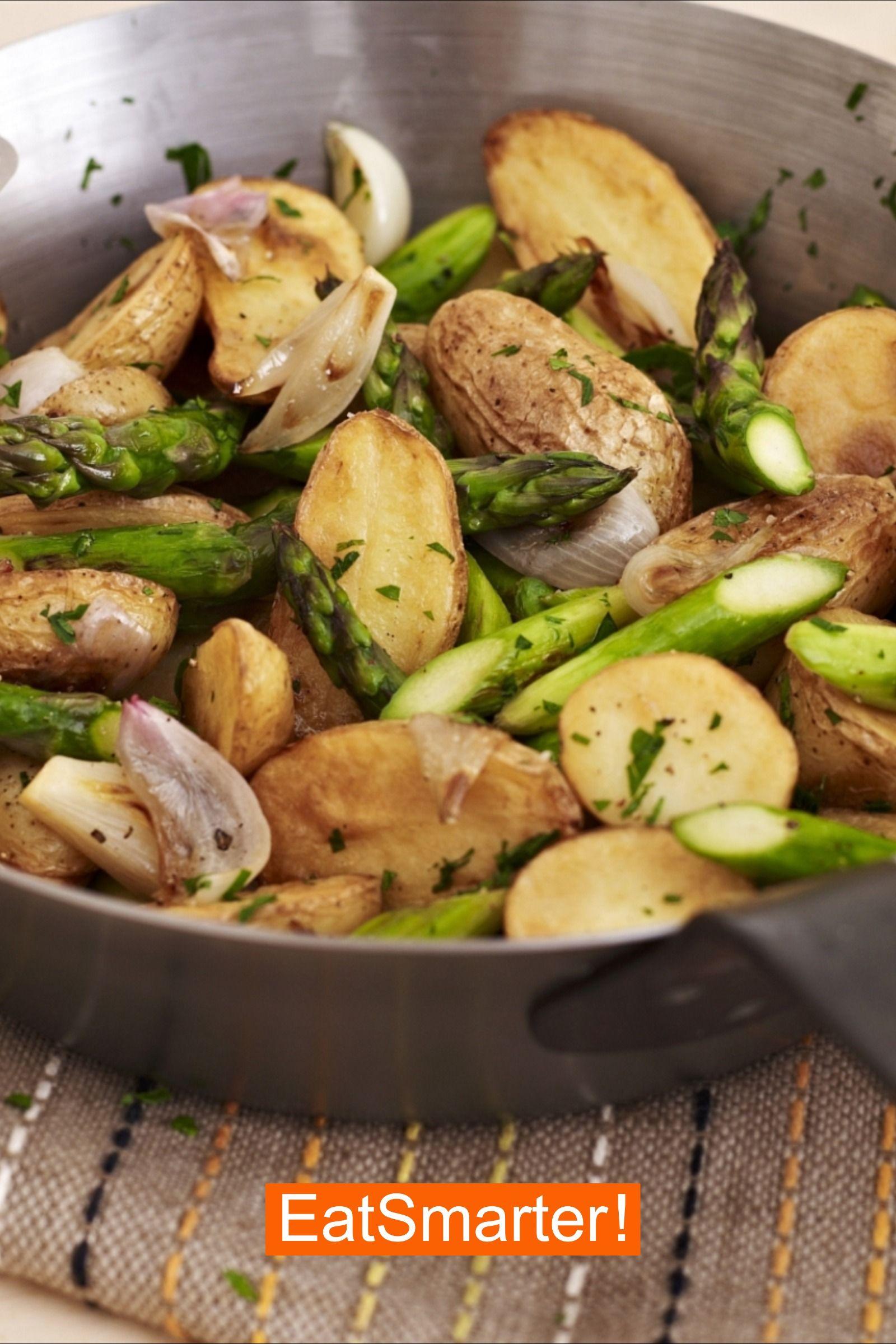 Spargel Rezepte: Bratkartoffel-Spargel-Pfanne | EAT SMARTER