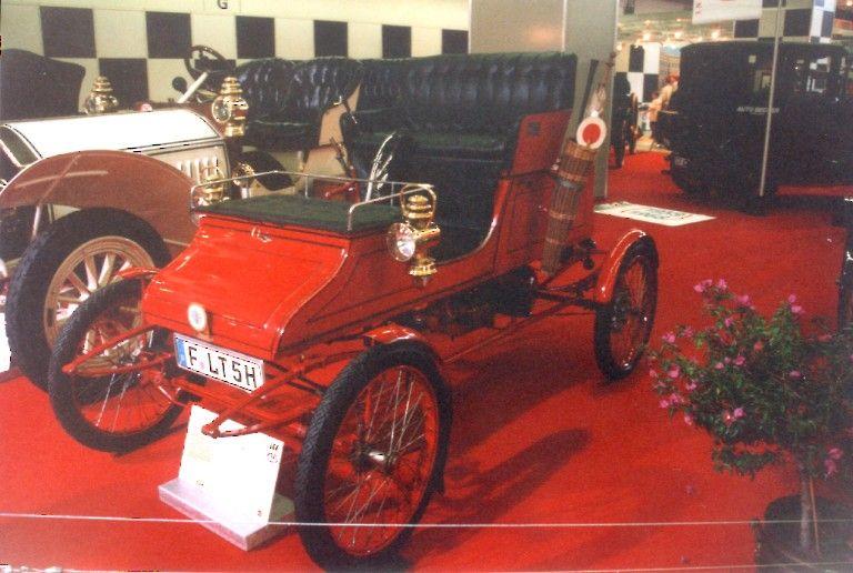 Una Stanley a vapore prodotta dal 1900 al 1906
