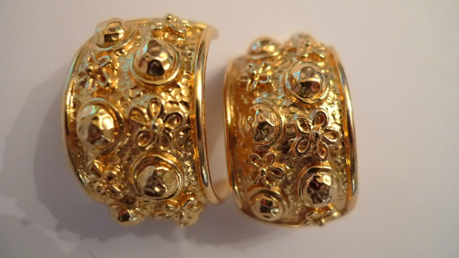Christian Dior Earrings Haute Couture Vintage Gold Tone 1980s