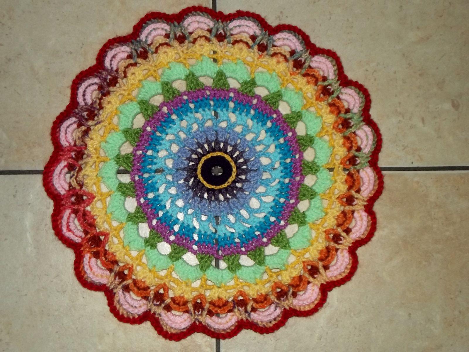 Ravelry: Mandala 21 pattern by John Kelly   Colours   Pinterest