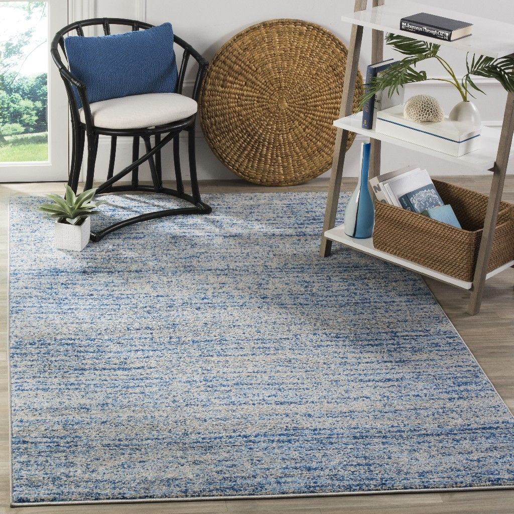 """Adirondack Collection 5'1"""" X 7'6"""" Rug in Blue And Silver"""
