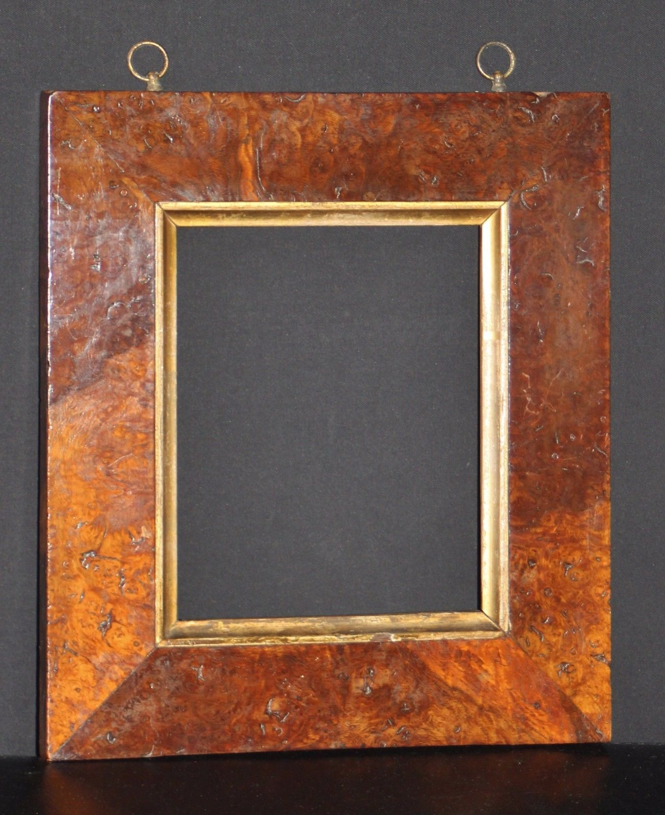 A Top Quality Mid C18th Burr Walnut Picture Frame Maximum Picture Size 8 1 X2f 8 Quot X 6 5 X2f 8 Quot 206mm X 169mm Sig Picture Frames Frame Pictures