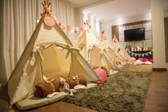 Barracas para acampadentro ou festa do pijama