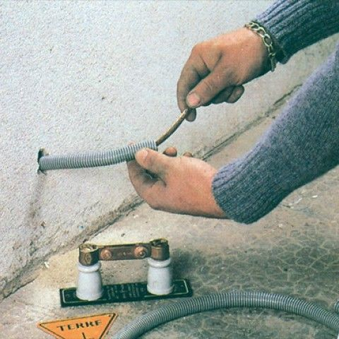 Installation d 39 une prise de terre fil de terre - Installer une prise de terre dans une maison ...