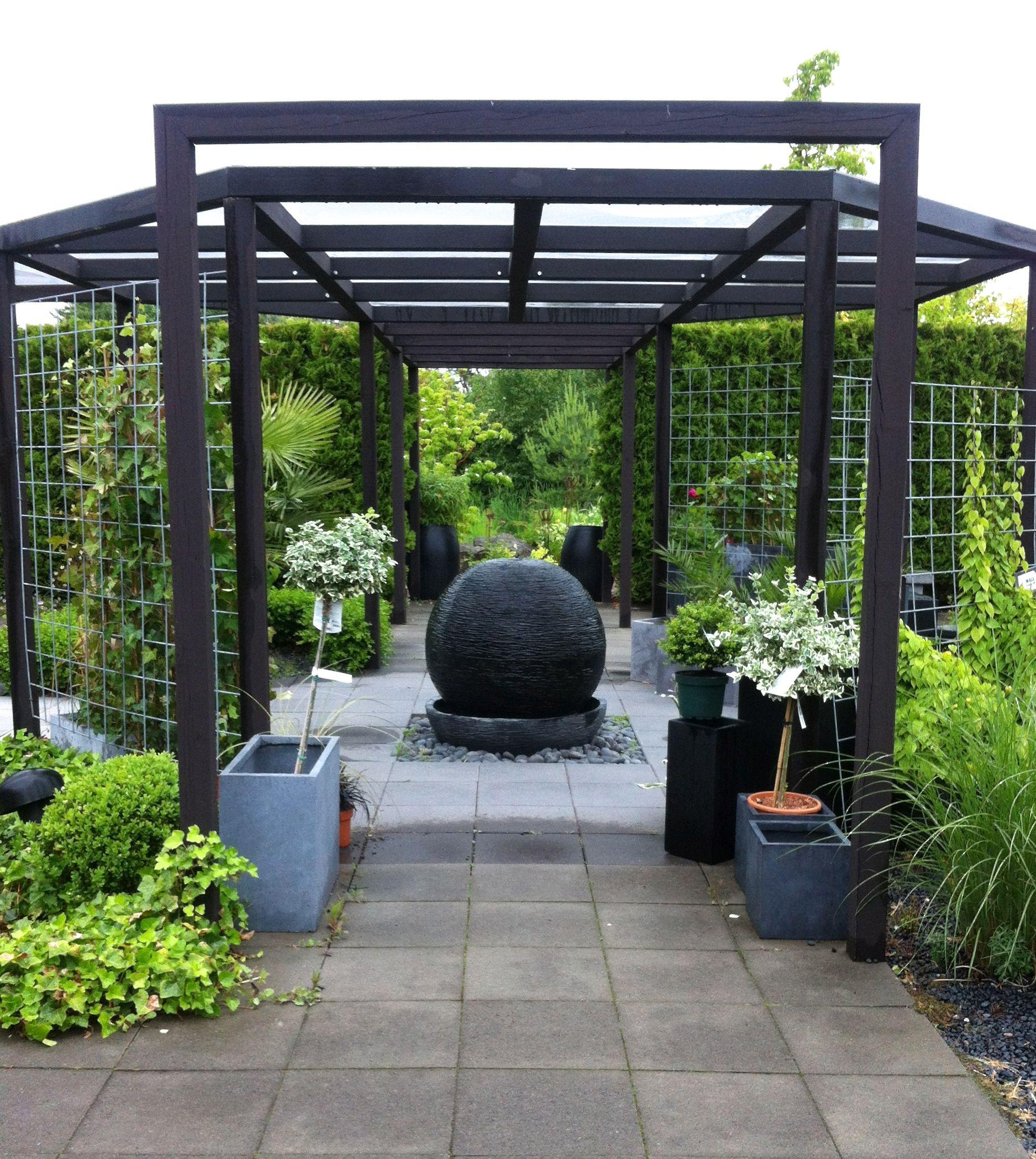 3 Balcony Garden Designs For Inspiration: Trädgård Pergola, Trädgård