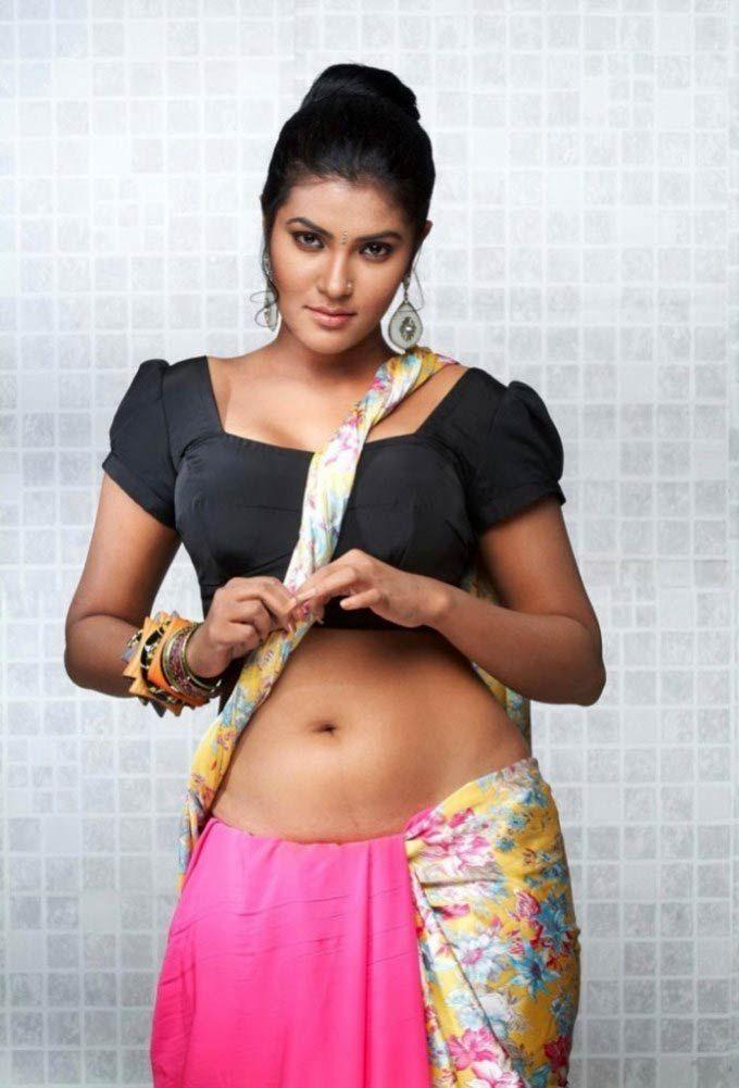Sexy south actress boobs