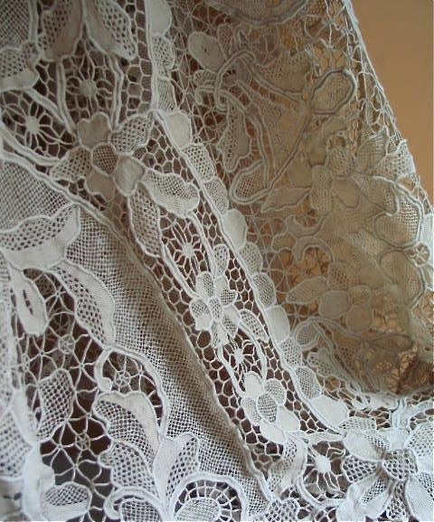 Marvelous Antique Italian Point De Venise Handmade Lace Tablecloth